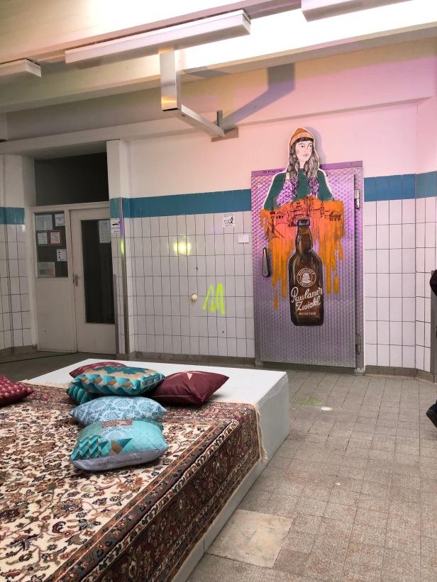Lounge Kunstlabor mit Zwickl Grafitti